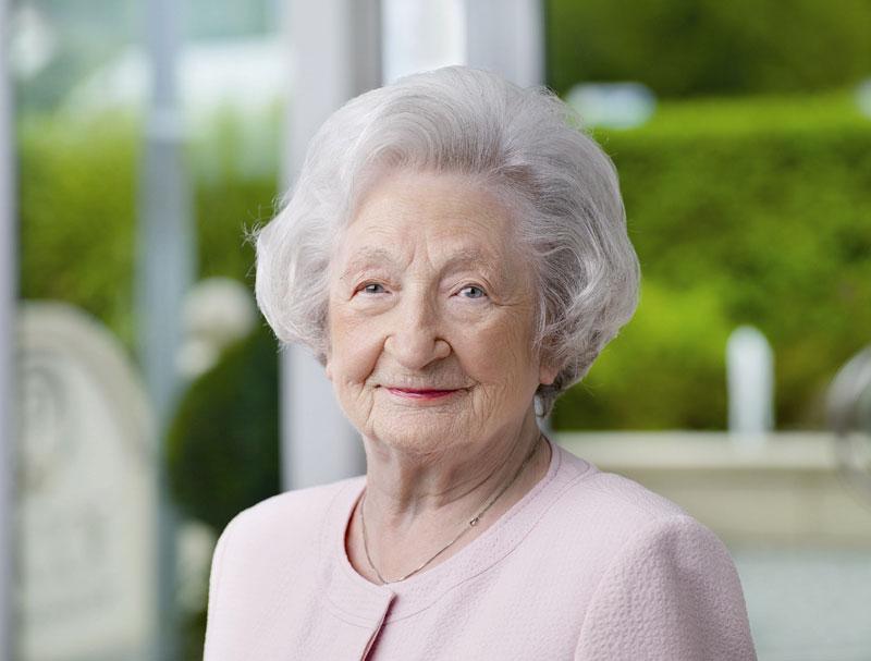 † Ingeborg Pascoe (16.01.1918 – 10.09.2015)
